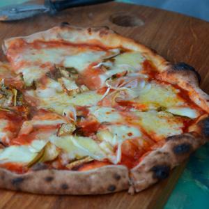 Friskbagt pizza på Naturplanteskolen